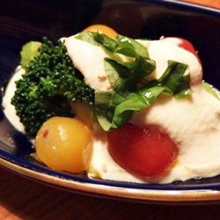 二色トマトの白和え (美食米門品川港南 Wine&Grill )
