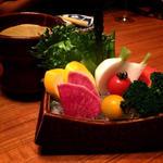 彩り野菜のバーニャカウダー(美食米門品川港南 Wine&Grill )