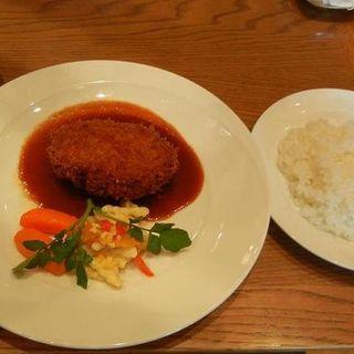 肉汁たっぷりメンチカツ セット(自由が丘グリル)