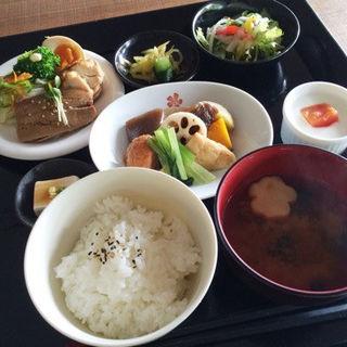 箱膳(茶廊法邑)