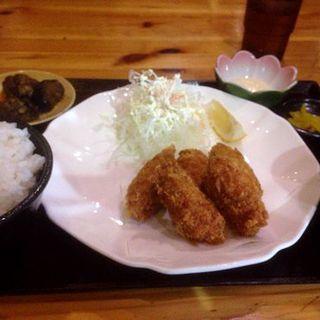 カキフライ定食(華かご (ハナカゴ))