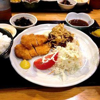 ミックス定食(華かご (ハナカゴ))