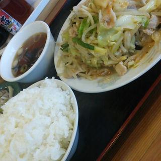 スタミナ肉野菜炒め定食
