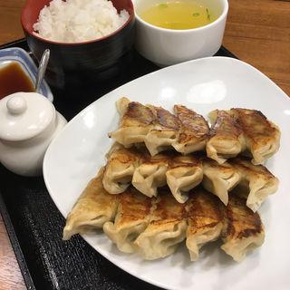 ぎょうざ定食(リンガーハット KITTE博多店 )