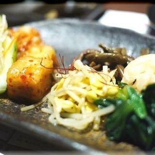 キムチとナムルの盛り合わせ(薩摩 牛の蔵 本町店 )