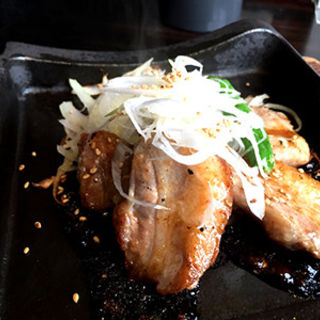 沖縄 紅豚カルビの鉄板焼き(薩摩ごかもん 天満橋総本店 )