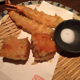海老とゴマ豆腐の天ぷら(豆腐料理 空野 南船場店 (【旧店名】空ノ庭))