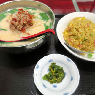 麺飯セット(豚骨台湾ラーメン+カレー炒飯)(豊澤園 )