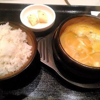サービスランチ(海鮮チゲ定食)(豚夢)
