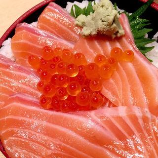サーモンいくら丼(豪快 立ち寿司 難波南海通り店 )
