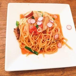 たっぷりお野菜とトマトソース スパゲティ(OMOしろい (オモシロイ))