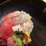 海鮮丼(近畿大学水産研究所 銀座店)