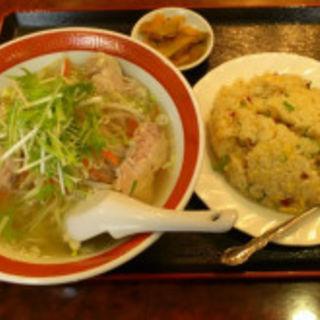 鶏肉そば+炒飯(福門飯店)