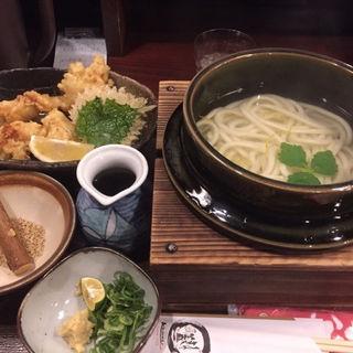 釜揚げおうどん+鶏天のセット(釜盛 (かませい))