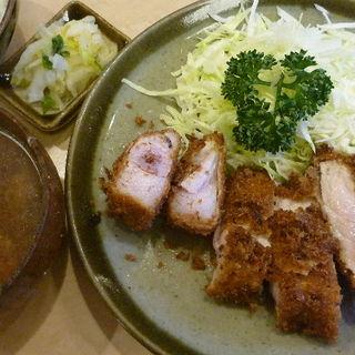 ランチとんかつ定食(鈴文 (すずぶん))