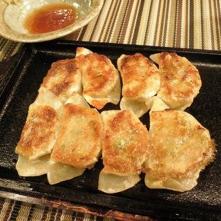 一口餃子(鉄板dining 菜菜 )