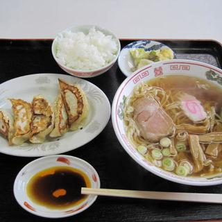 ラーメン&餃子セット+半ライス付き(陽華楼 )