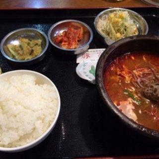 ユッケジャン定食(韓国家庭料理 豚富 )