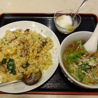 豚ばら肉チャーハン+半ラーメン(順香菜館)