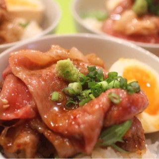 名物牛ご飯(立呑み とだか)