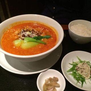 担々麺(香山 (カザン))