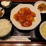 えびと玉子のチリソース定食(香港酒家 福盈門)