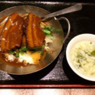 豚の角肉煮込みかけごはん