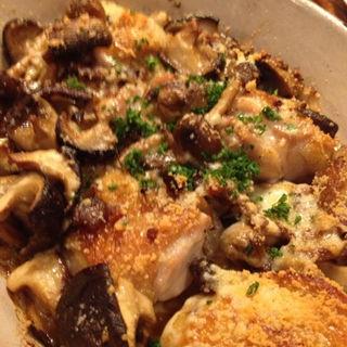 鶏とキノコのオーブン焼き(馬車にのったモッツァレッラ (バシャニノッタモッツァレッラ))