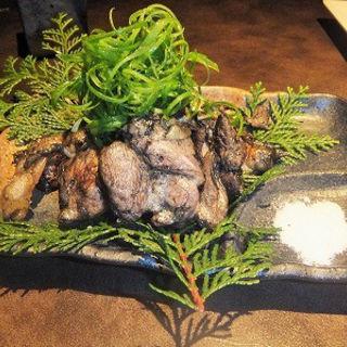 熟成鶏の炭炙り焼き~肉汁溢れる美味しさ~ (魚沼屋 )