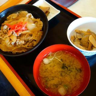 由利牛丼(由利牛使用)(鳥海山稲倉山荘)