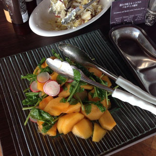 柿とルッコラのバルサミコのサラダ(鳥羽国際ホテル )