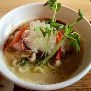 真鯛と牡蠣のシーフードヌードル