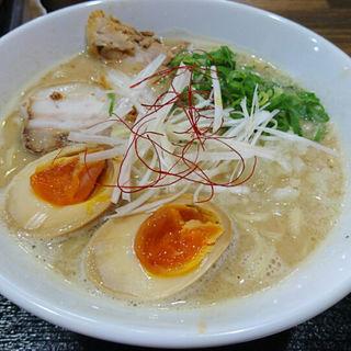 鶏白湯味卵ラーメン(麺ヒーロー)