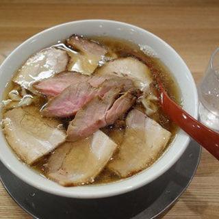 肉ラーメン(醤油)(麺や七彩)