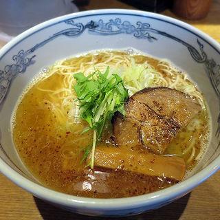 にぼ塩らーめん(麺や 六三六 吹田店 )