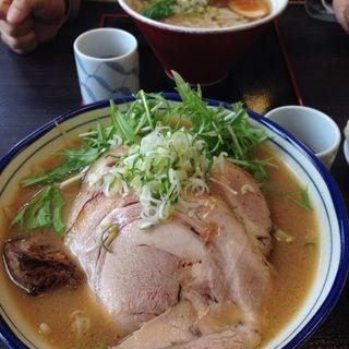 炙りトロチャー味噌野菜ラーメン(麺や 北町 )