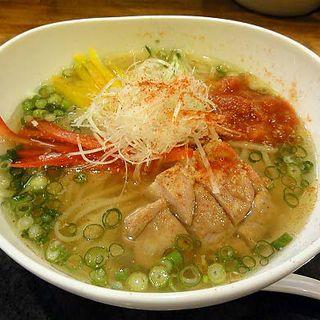 冷やし鶏塩麺(麺乃家 (めんのや))