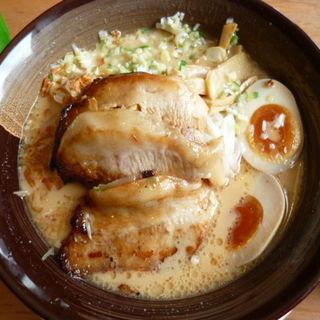 炙り豚トロらーめん(麺家 三士 横浜ベイクォーター店)