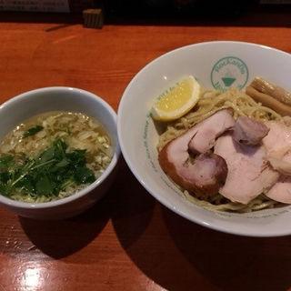 鶏清湯の追い鶏節 塩つけそば(麺屋 六感堂)