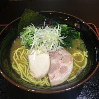 鶏煮干しラーメン(麺屋しめ丸 )
