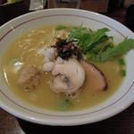鶏塩白湯ラーメン(麺屋ほぃ )