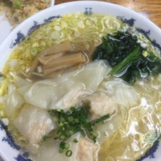 エビ 福ワンタン麺(黄金の福ワンタン まくり (オウゴンノフクワンタン マクリ))