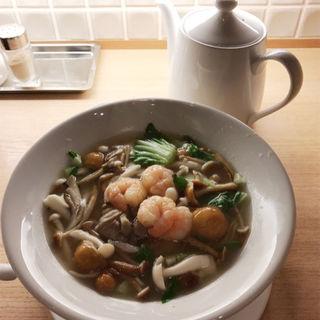 4種のきのこのタン麺セット(鼎泰豐 なんばダイニングメゾン店 (ディンタイフォン))