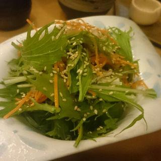 水菜とフグ皮サラダ(龍太楼 )