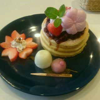 桜のパンケーキ(カフェ シュシュ (cafe chou chou))