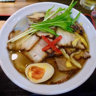 琥珀 チャーシュー麺(らーめん黒白)
