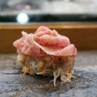 トロと毛蟹の握り(寿司栄 )