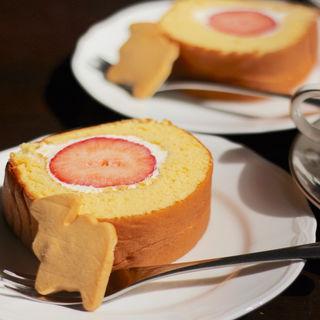 ロールケーキ(森のらくだ )