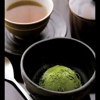ほうじ茶と宇治抹茶アイスクリームセット(山本山 本店喫茶室)