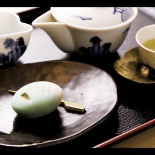 玉露と和菓子(山本山 本店喫茶室)